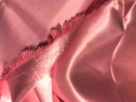 Voering (glans) roze L 140 B 150