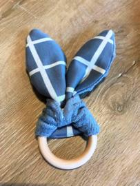 Wiegendekentje en konijnenoren bijtring grijs blauw