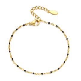 Gouden armbandje zwarte kraaltjes
