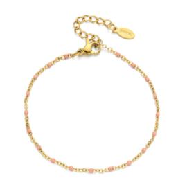 Gouden armbandje roze kraaltjes