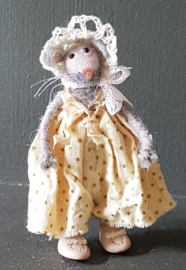 Mouse Manon, is 7 cm. tall
