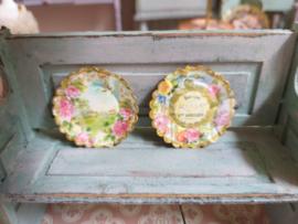 Romantische borden, met rozen, 2 stuks, Ø 3 cm.