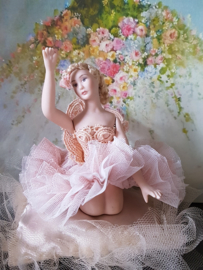 Ballerina Charlotte, height 7,5 cm.