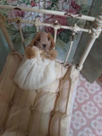 Baby Konijntje, Betty Bunny,  4,5 cm.