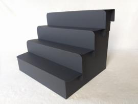 4 traps kartonnen display trap, kleur zwart
