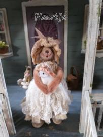 Ik ben Fleurtje Bunny, 12 cm. hoog!