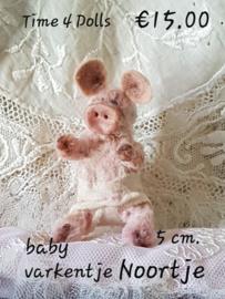 Baby Piglet Noor (S - 5 cm.)