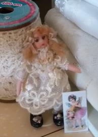 Jannie, Höhe 5 cm., Antikes Aussehen Puppe