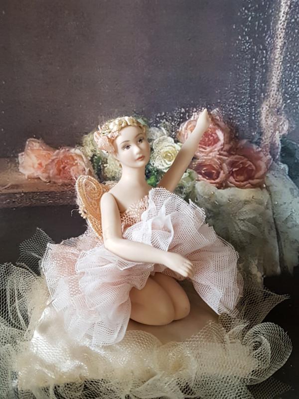 Ballerina Charlotte, hoog 7,5 cm.