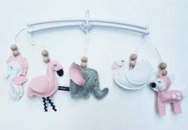 Muziekmobiel roze diertjes
