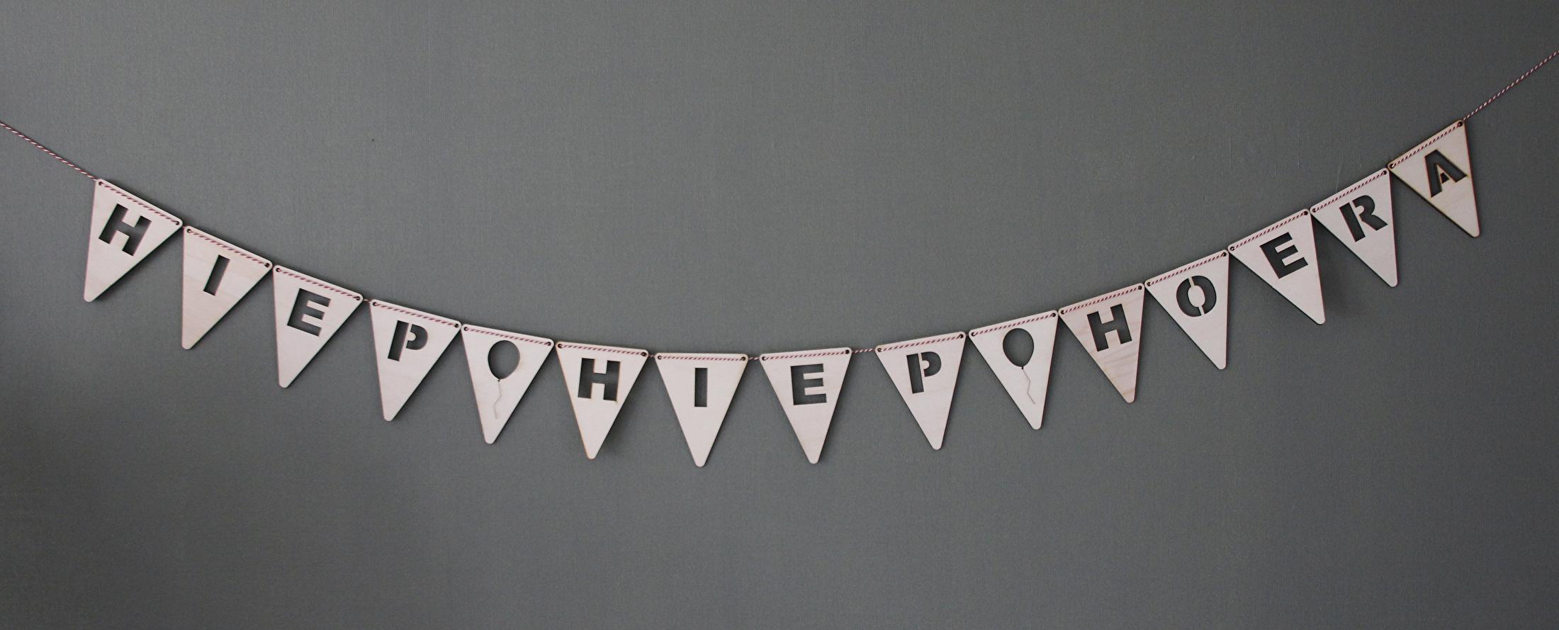 Mooie Houten Letters.Houten Vlagletters Bestellen Houten Speelgoed
