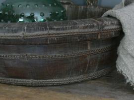 Oude houten grote olijfbak, doorsnede 53 cm