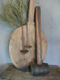 Oude zware houten hamer
