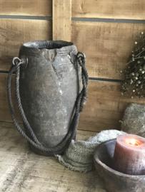Oude Nepalese houten pot