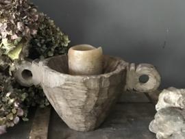 Oude houten zaaibak (kandelaar)