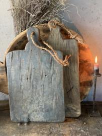 Grote serveerplank van oud hout