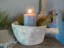 Oude houten pot met steel - B
