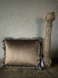 Kussen fluweel taupe 45 x 35 cm