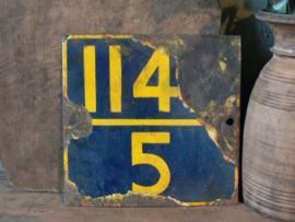 Oud ijzeren bord A (114-5)