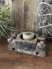 Oud houten bak - kandelaar