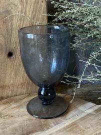 Stoer donker wijnglas, coal