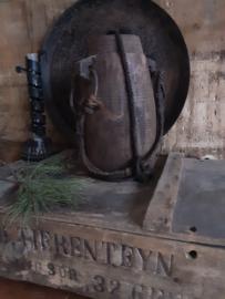 Oude houten kruik met deksel, hoogte 27 cm
