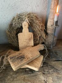Klein broodplankje van oud hout