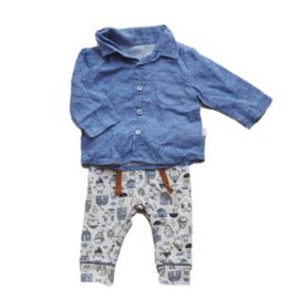 Broek met huisjes + hemd met blauw patroon