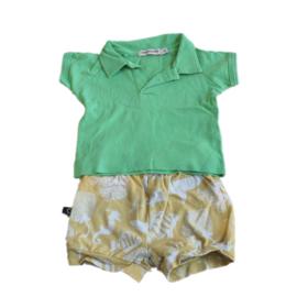 Setje met groen shirt en gele short met zeedieren