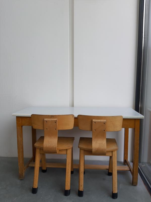Vintage lessenaar + 2 stoeltjes