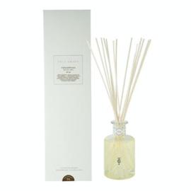 Village scented Reeds Cedarwood 200ml