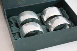 4 verzilverde servetringen in originele doos