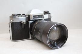 Praktica Nova B met Fodor 135mm lens