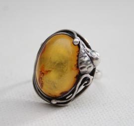 Zilveren ring met amber (#1)