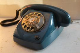 Retro Ericsson T65 telefoon in azuurblauw