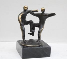 """Corry Ammerlaan - bronzen beeld """"Dansen"""""""