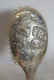 Antieke borstel - Verzilverd met Engeltjes / Putty's