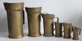 6 bronzen maatbekers