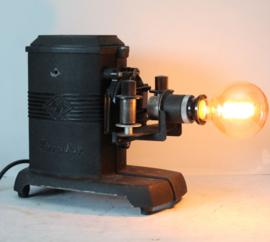 Agfa Karator II omgebouwd tot lamp