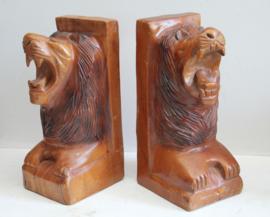 Handgesneden boekensteunen met leeuwenkoppen - Hout