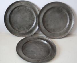 18e eeuwse tinnen borden, set van 3 stuks