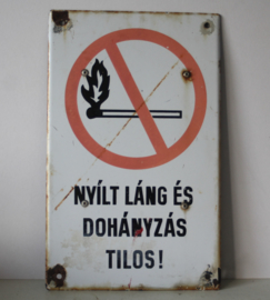 Emaille bord - Roken open vuur verboden - Hongaars