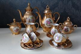 Versailles en Du-Co kunst - 22k goud verguld mokka servies
