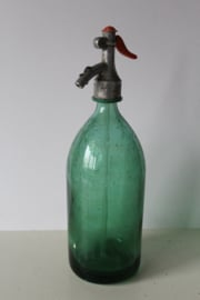 Groene antieke spuitfles met metalen dop - ca 1920
