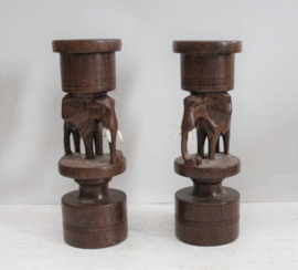 Set houten kandelaren - Olifanten