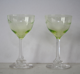 Set van 2 antieke anna groene likeurglazen (Uranium glas)