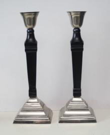 Set van 2 grote Art Deco kandelaren in zwart onyx en silverplate