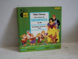 Walt Disney - Het verhaal van Sneeuwwitje - Boekje met mini L.P.