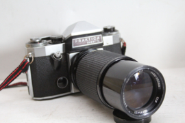 Praktica SuperTL SLR camera met Ensinon 80-200 mm objectief
