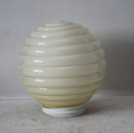 Art deco bol lamp/ plafonniere in wit melkglas